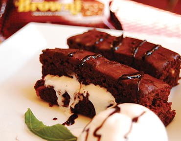 ETİ Browni with Ice Cream